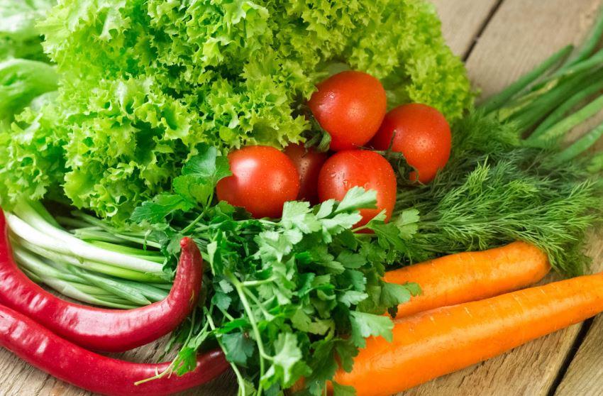 Ngày 2 ăn rau xanh và củ
