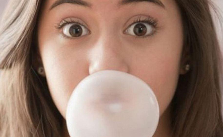 nhai kẹo cao su sau ăn